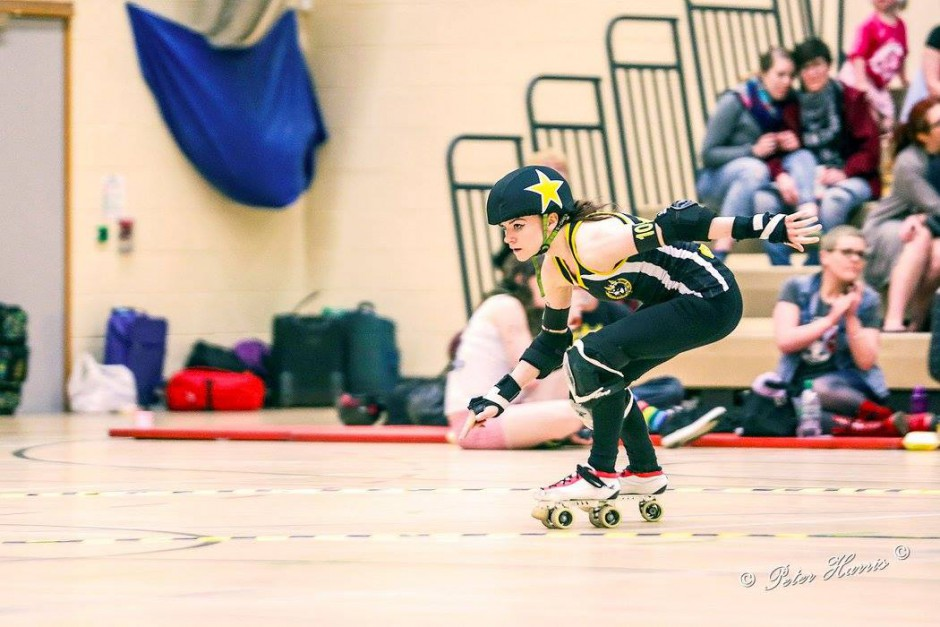 Jammer playing roller derby